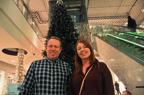 Senterleder Frode Wilhelmsen og markedssjef Vera Henriksen på Amfi Alta gleder seg til storinnrykk i Alta denne helgen. Foto: Oddgeir Isaksen