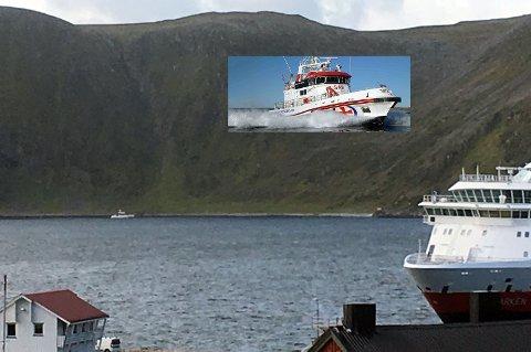 RS Odin er i gang med dykkerøvelsen og RS Peter Henry Von Koss (innfelt) er på tur til Honningsvåg for å delta.