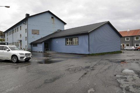 Stengt: Svømmehallen i Honningsvåg er stengt igjen.