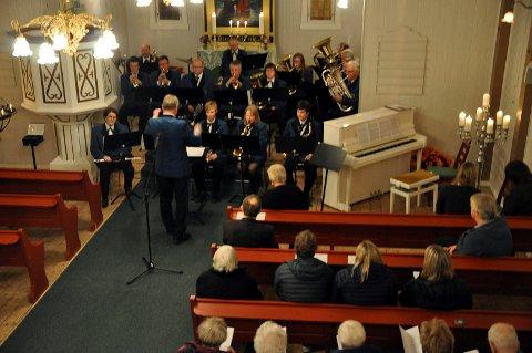 HMF: Nå øver de på spreng før den neste konserten som er allerede i neste uke i Honningsvåg kirke.