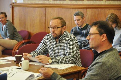 Ordførerkandidat for Nordkapp Høyre, Lars Helge Jensen, sier det skal være et medlemsmøte i partiet på mandag hvor de skal diskutere områdeplanen.