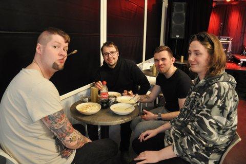 DAMAGE INC: Gøran Johansen, Petter Carlsen, Alexander Stamnes og Espen Dagenborg spiller Metallica-låter på Perleporten kulturhus fredag kveld.