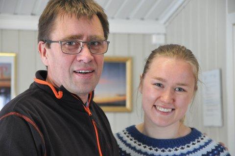 Daglig leder Bernt Magne Holmgren med datteren Anita Holmgren som skal jobbe i resepsjonen i sommer.