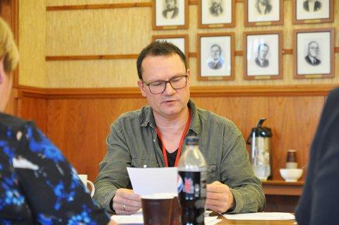 Jan Olsen syns det er trasig at utfordringene med lønnsarbeidet ikke kan løses lokalt.