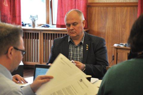 VIKTIG: Fungerende ordfører i Nordkapp kommune, Kjell-Valter Sivertsen, sier det er viktig å fortsette det gode samarbeidet mellom kommunen, næringslivet og Nordkapp vgs.