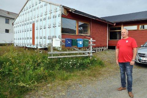 Vil ha dette fjernet: Varaordførerkandidat for Nordkapp Arbeiderparti. Kjell Valter Sivertsen, vil ha dette bygget fjernet.