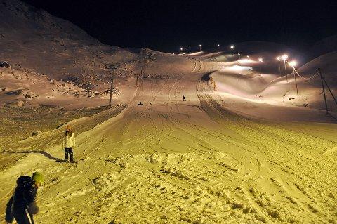 På lørdag åpner slalåmbakken i Nordvågen. Dette er rekordtidlig sesongstart.