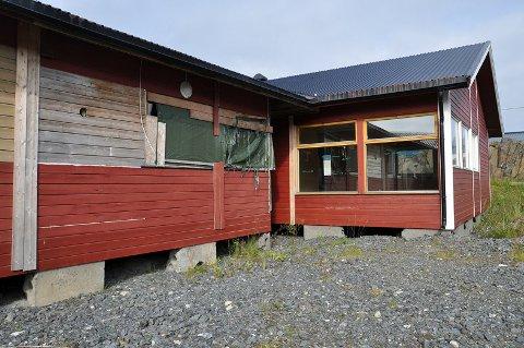 Det som tidligere var bygningsmassen som rommet Honningsvåg barnehage skal nå være fjernet innen kort tid.