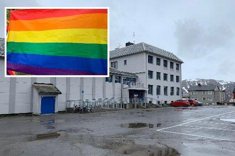 RÅDHUSET: Det er ikke gitt at et visst flagg vil kunne brukes i en offentlig setting.