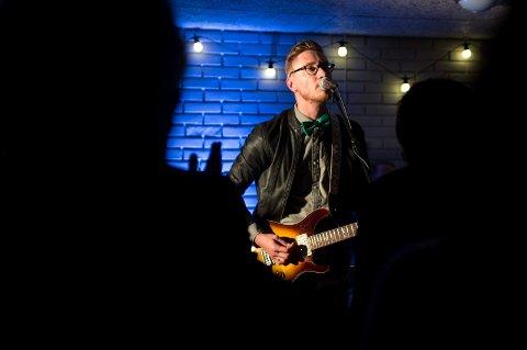Adam Douglas på Havly - Rockwekend 2015