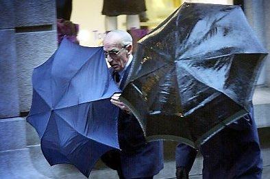 Fredag gjeld det å finne fram paraplyen. Det er nemleg meldt 100 millimeter nedbør i Sunnfjord.