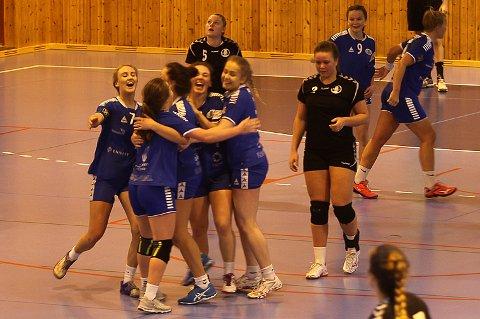 MOT BSI: Florø-jentene jubla for det eine poenget mot topplaget BSI i februar i år.