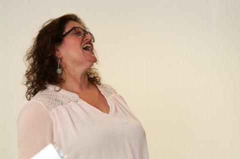 Ingvill Førde Torvanger har sunge sidan ho var lita, og feirar 50-årsdagen sin med konsert til inntekt for ALS-forskinga. Sjukdommen tok livet til venninna Paula, som også skulle ha fylt 50 i år.