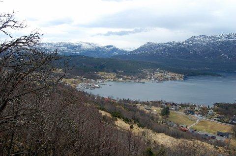 MÅ KOKE VATN: Innbyggarane i Eikefjord har blitt varsla på SMS, og Katrine Reksten ved Teknisk Drift seier at dei også vil få varsel når kvaliteten på vatnet igjen er tilfredsstillande.