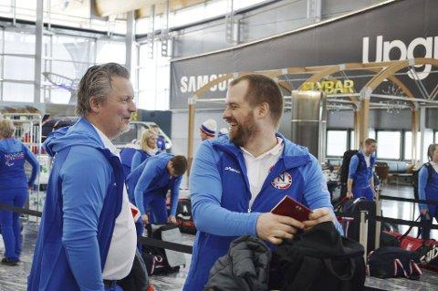Før avreise til Pyeongchang var det svært god stemning mellom assistenttrenar Ole Eskild Dahlstrøm og Jan Roger Klakegg. Etter laurdagens tap sit neppe smila like laust.