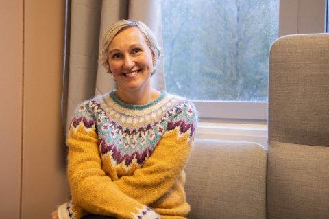 ETTERLENGTA: Cecilie Linn Heggelund har lenge jobba med å få klar klubben. Saman med ungdommane og frivillige har ho fått klar lokala og kan no ønske velkommen til Naustdal sin nye klubb.