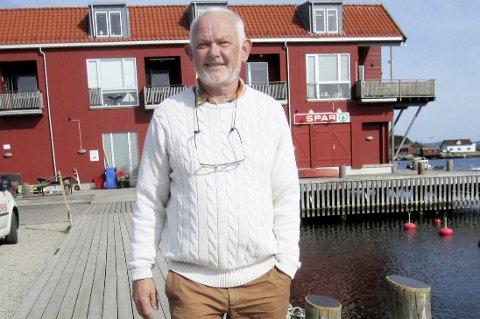 Har skrivekløe: Paul Henriksen kan tenke seg å skrive om Hvalers skolehistorie, og kanskje kommer det en bokutgivelse fra den tidligere ordføreren når han nå blir pensjonist.                                                                                                                                                                                                                                         Foto: Tore Tindlund