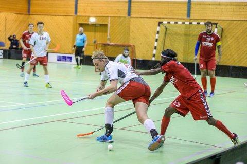 Fredrikstad Innebandyklubb i tidligere kamp mot Sveiva Innebandy i Rolvsøyhallen (Arkivfoto: Kent Inge Olsen)