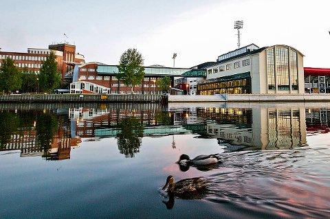 Rekordopptak: Høgskolen i Østfold hadde 3300 søkere og har tilbudt 2370 plasser.