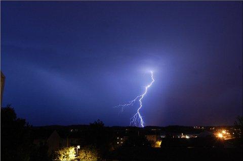 Det var kraftig lyn- og tordenvær natt til fredag.
