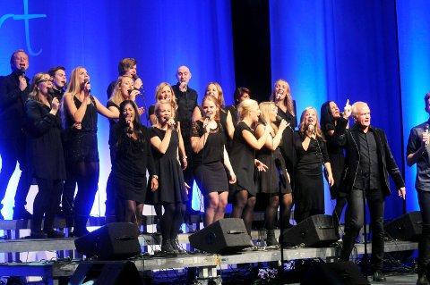 Gospel med trøkk: Det blir to konsertkvelder med gospel i Domkirken. Fredrikstad Community Gospel Choir er med som base i prosjektkoret med workshop i helgen.