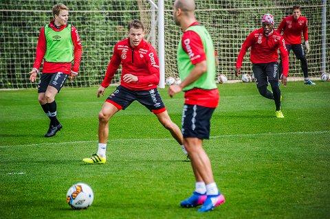 Tøft: Patrik Karoliussen har startet samtlige kamper for FFK i serien denne sesongen. Midtbanespilleren innrømmer at det har vært en tøff tid denne våren. (Foto. Geir A. Carlsson)