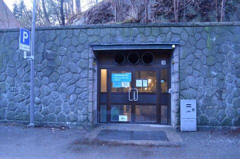 Rehabilitering: Lykkeberghallen har vært stengt i hele år og åpner ikke før i midten av august.