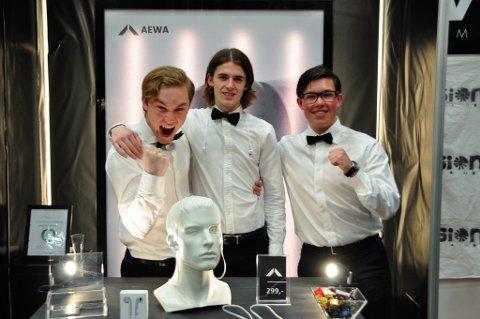 JUBEL: Alexander Laabak, André Lier og Emil Oliver Hamborgstrøm kunne juble over to andrepriser etter NM for ungdomsbedrifter.