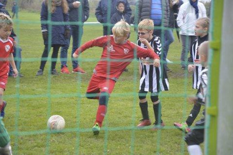 MÅLFARLIG: Trosviks Max Sandberg Pedersen hadde siktet seg inn til kampen mot Hafslund. FOTO: Henrik Myhrvold Simensen
