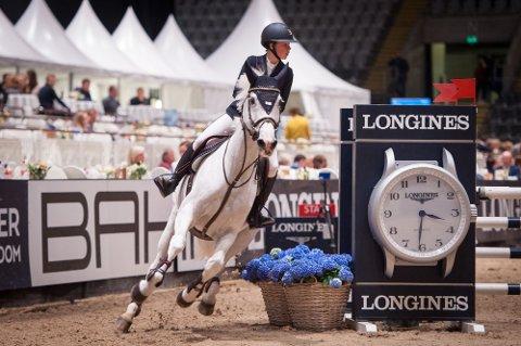 Vant: Mathea Omberg Christiansen gikk til topps under Oslo Horse Show fredag. (foto: KOHS Une Susrud)