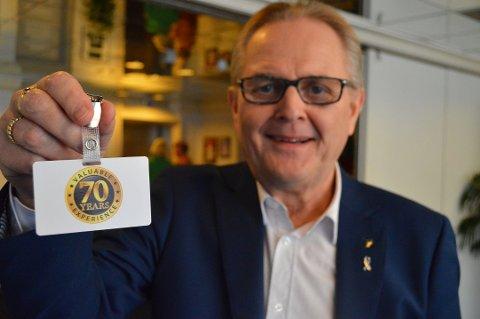 Lang erfaring: Lef Eriksen står på 6. plass på nominasjonskomiteens liste. I februar fylte han 70 år. Der fikk han et spesialkort fra partikolleger som forteller at har har flere stjerners «valuable experience».
