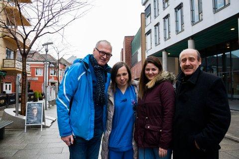 Fra venstre Zbigniew Gorski (59), leder i Den polske foreningen i Fredrikstad, Katarzyna Szulc (35), Agata Rojewska (32) og Ryszard Drozdz (60) forteller at det polske miljøet har et stekt ønske om at flyplassen på Rygge skal gjenåpne.