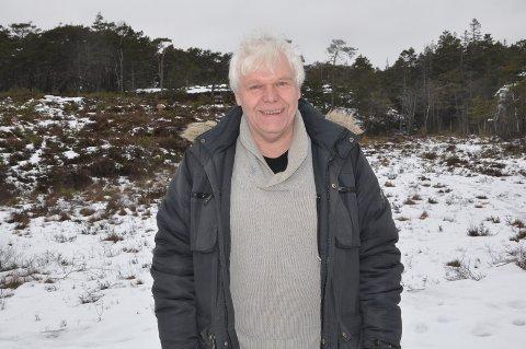 VESTERØY: Espen Linderud med Harestokken skytebane i bakgrunnen.