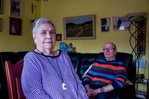 Elsa Johansen (85) får økt husleie på nesten 65 prosent. Sønnen Arild Johansen (59) fortviler.– Jeg ser ikke hvordan det skal gå. Hun kan ikke bo hos meg heller, sier han.