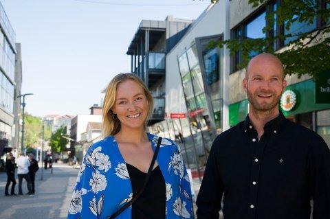 – Det blir viktig for meg at vi tar vare på byen samtidig som vi utvikler oss, sier Marte Teien. Her med Cityplan-sjef Sander Grundvig.