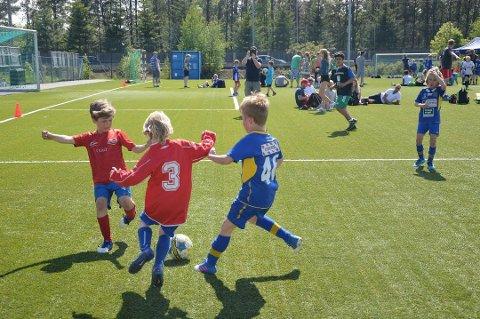 Cup-tid: For mange håndball- og fotballspillere er mai og juni høysesong for turneringer. På de fleste cuper er kioskutvalget begrenset til pølser, hamburger, is og brus. Bildet er fra Fredrikstad Fotballcup i fjor.