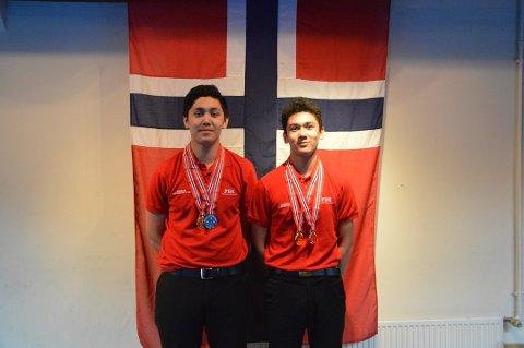 TOK TO EM-BRONSER: Emil Andrè Gangfløt (til høyre) har hittil tatt to individuelle bronser i U17-EM. Ole Tobias Gangfløt er med i U19-EM. Her fra tidligere i år da brødrene tok gull under junior-NM. Arkivfoto: Fredrik Johansen