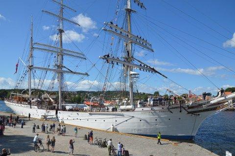Kommer: Skipet Statsraad Lehmkuhl har besøkt Fredrikstad flere ganger - senest i august 2017. Foto: Henrik Myhrvold Simensen
