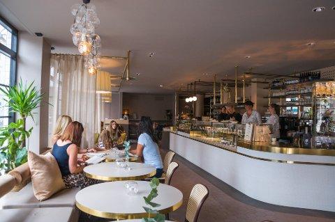 Kafeen Choco Loco har blitt større og fått et glamourøst interiør.