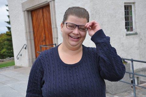 MUSIKK: Karoline Eliassen spiller gjerne på orgelet i Torsnes kirke.