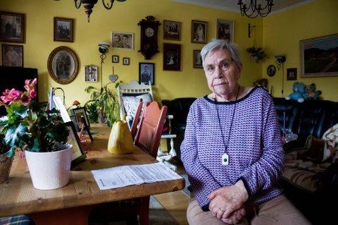 Elsa Johnsen (85) bor i kommunal leilighet på Leie. Nå må hun ut med 18.600 kroner mer i året for å bo der.