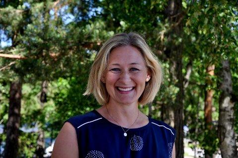 Fra Kråkerøy til Rolvsøy: Kari Lo Edvardsen har vært rektor på Rødsmyra skole siden 2012. Nå har hun fått samme jobb på Hauge skole.