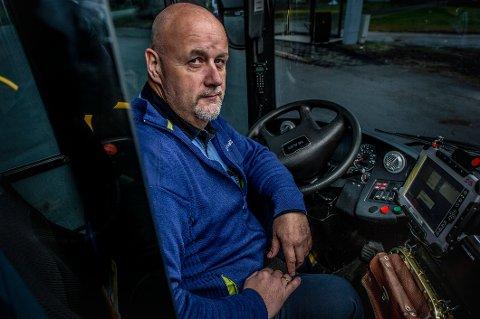 Bussjåfør og tillitsvalgt Svein Jacobsen sier at oppførselen til mange passasjerer etter at gratisbussene ble innført har blitt en snakkis blant sjåførene.