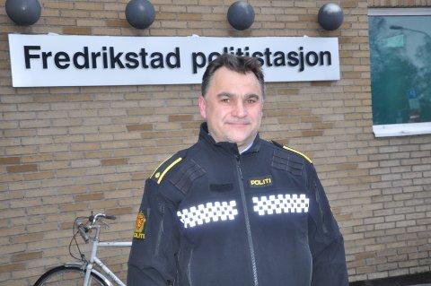 FRA POLITIET: Øyvind Moksnes skifter nå ut politiuniformen med sivile klær, som ny rektor ved Haugetun folkehøyskole.