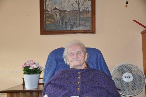 JUBILANT: Astri Lerud passerer nå 105, som den eldste i Råde.
