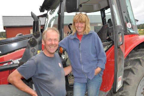 ENESTE: Lillian og Bjørn Elvestad er det eneste ekteparet som driver gård på heltid i Råde, uten annet arbeid utover gården.