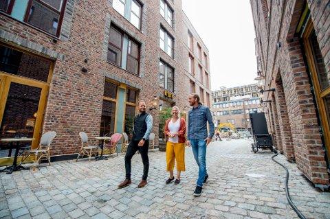 HJEMME: Arkitektene Øyvind Johnsen, Karoline Kolstad Heen og Simon Øien har mye av «nye Nygaardsplassen» på samvittigheten.