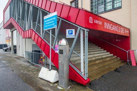OFFENTLIG PARKERING: Både Værste og kommunen har ønsket å ha offentlig regulert parkering på området på Kråkerøy. Etter den gamle avtalen skulle til enhver tid minst 500 parkeringsplasser være tilgjengelig for kommunen.