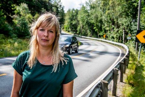 Kaja Høvik Stiksrud gir seg ikke. Også i år vil hun, med en fredelig gåaksjon, markere behovet for gang- og sykkelsti fra Bratte Bakke mot Åsebu.