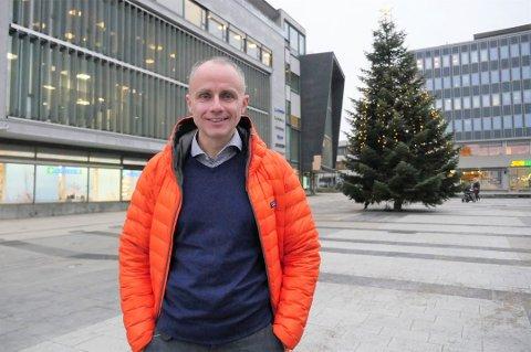 KREVER ENDRING: - Det er håpløst med sykkelstier man ikke kan sykle på, sier MDGs Erik Skauen.